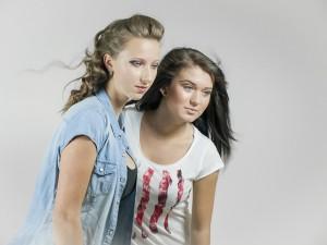 girls-487062_640